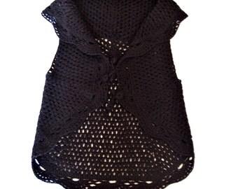Black knitted vest for girls