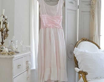 Vintage 50s light pink prom dress