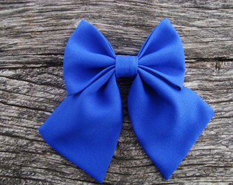 Bow tie brooch pin royal blue
