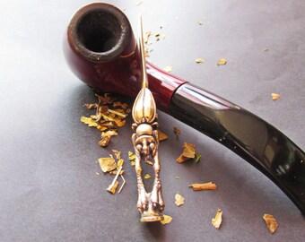 Tamper toptalka beetle. Bronze