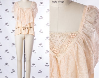 1970s Peach Top with Floral Lace and Ribbon Waist Detail SIZE: XS, 2