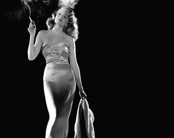 "Legendary Actress Rita Hayworth in ""Gilda"" - 8X10 Publicity Photo (NN-001)"