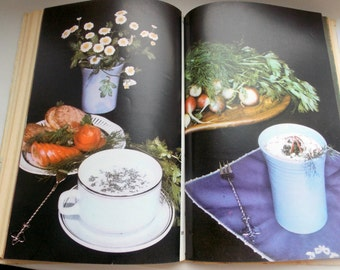 """Vintage book """"health Drinks"""" in Russian language.recipes for drinks     Russian books  recipes for food russian cookbook"""