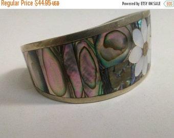 10% OFF SALE Southwestern native american mother pearl bracelet