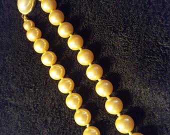 Beautiful Carol Lee opera length pearls