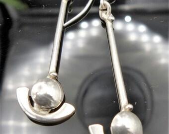 Orecchini in Argento 925. Larghezza: 5,9 cm. Earrings in Sterling Silver. Length 5,9 cm.