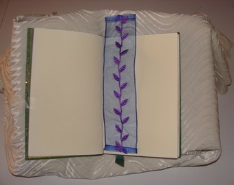 Appliqué bookmark - trade paperback or hardcover
