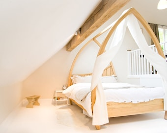 Handmade Four poster Bed - by 'Abowed'