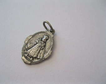 Vintage Infant Jesus of Prague Holy Medal - Catholic Religious Medal Infant of Prague Shrine New Haven, Conn. (SD192)