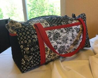 Quilted Zipper Duffel Bag