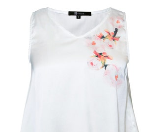 Floral Cropped Asymmetric Hem Top