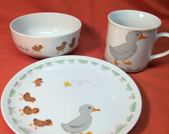 Gibson Overseas Inc. Childs dishes