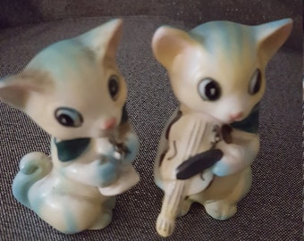 Retro style musical cats