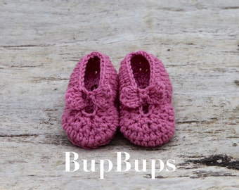 Crochet pink Mary Jane/ booties and crib shoes / Crochet Mary Jane Shoes/ Baby Girl Shoes / Baby Shoes /homemade/ baby/ baby gift girl/ shoe
