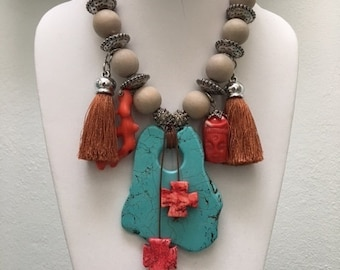 Wood, Turquoise and coral necklace