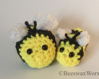 Queen and baby bee