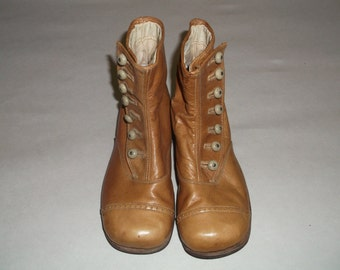 Antique Childs Button up Victorian Boots size 7 1/2