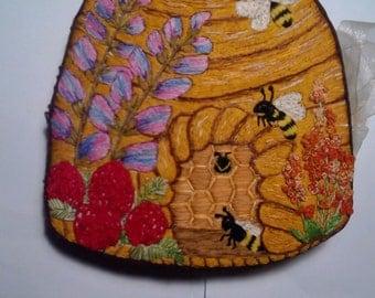 bee hive Needle book