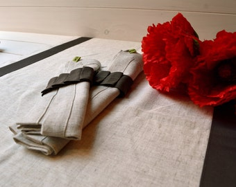 Linen, napkins, napkin rings, set runner runner table, linen tablecloth, serviettering, napkin ring, napkin