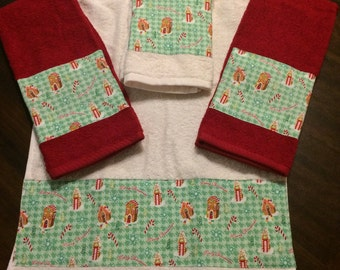 Set of 4 Christmas Gingerbread House Hand Towels
