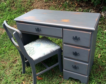 SOLD! Gray desk and chair , Chalkpainted desk