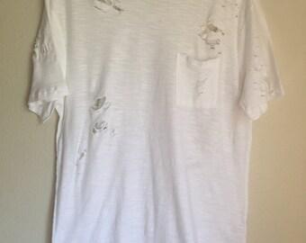 White Curved Hem Distressed T-Shirt Men's Med
