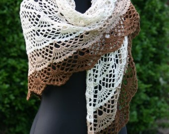 Scallop Shawl/Wrap in Cream Alpaca