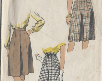 1944 Vintage Sewing Pattern SKIRT W24 (R773) Du Barry 6124