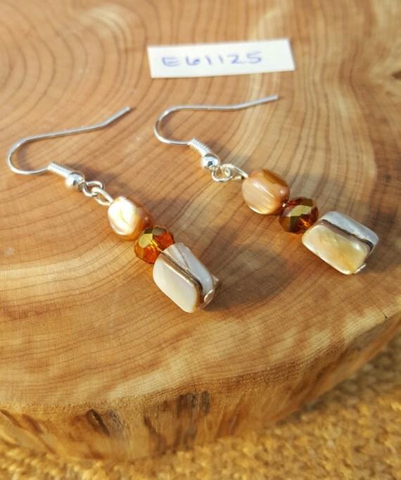 Tan Mother of Pearl Earrings / Tan and Shiny Amber Earrings / Dangle Earrings / Hippie Earrings / Boho Jewelry /E61125