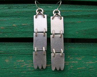 Hands earrings - aluminium
