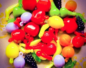 100pcs Tiny FRUIT SALAD CHARMS Wee Plastic Kitsch