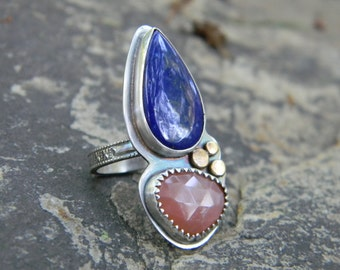 Beautiful Blue Lapis Lazuli and Peach Moonstone Ring - Sterling Silver and 14k Gold - size 6.75