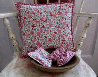 Calico Pillow and 2 bowl fillers/lavender sachets vintage  fabric Pink, Red,  White and Blue