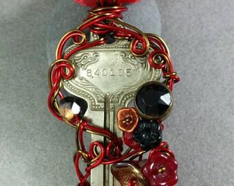Coretta Antique Key Pendant Necklace