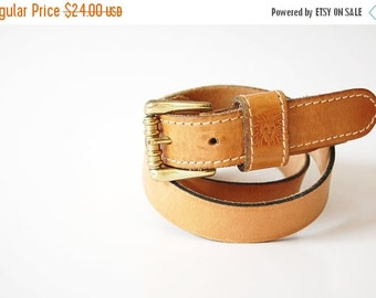 sale Classic vintage Leather Belt / ribbed Brass Buckle womens belt / Anne Klein / made in Spain / high quality / waist 32 33 34