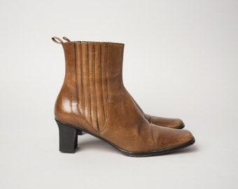 field music caramel brown chelsea ankle boots / square toe booties / ankle boots / 6.5 / 543s