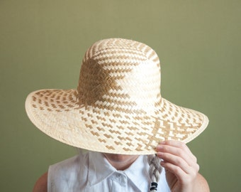 head first patterned woven straw hat / wide brim hat / vintage sun hat / 595a