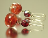 Vintage/ estate jewelry Deco silver plated earrings made from old carnival/ marbled red beads - upcycled jewellery