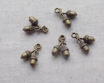 5 Antique Bronze tone 3D Acorn Charms