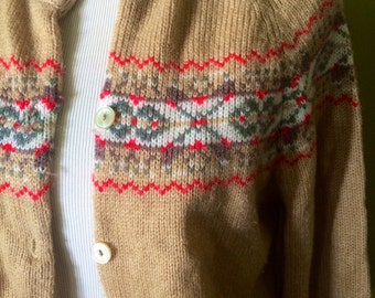 Womens vintage 1970's boho sweater.. Size M