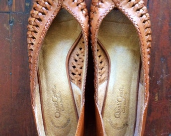 Vintage womens 1980's peep toe slip on shoes size 8