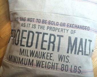 "28"" Square Grain Sack Pillow Sham Milwaukee, Wisconsin"