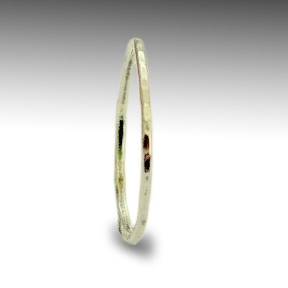 Wedding band, Thin Band, minimalist ring, shiny  band, hammered band, sterling silver band, stacking band, thin dainty ring - Smile R1595