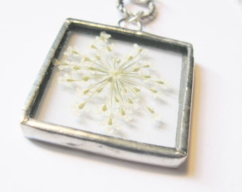 white flower necklace - bridal necklace - silver necklace - flower jewelry - real flower necklace - small flower necklace - bridal jewelry