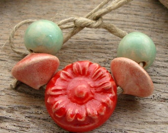 RED DAISY CERAMIC Set - Handmade Ceramic Beads and Tab - 5 Ceramic Beads