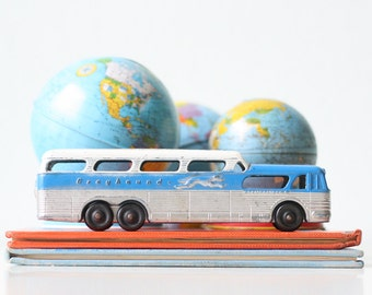 Vintage Greyhound Toy Bus, Sceniccruiser, Tootsie Toys