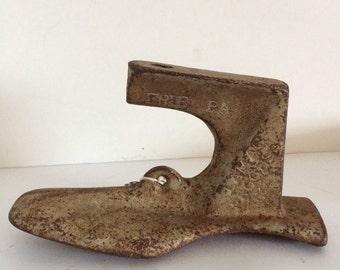 Antique Cast Iron Cobbler Shoe #6 Metal Foot Form Door Stop Paper Weight Stocking Hanger 4 lb Weight
