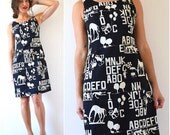 FLASH SALE / 20% off Vintage 90s Day at the Zoo Black and White Novelty Print Shift Dress (size medium, large)