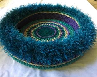 Tahira's  Hand Crocheted Cat Bed  (no. 1640)