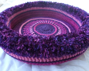 Winterberry's Hand Crocheted Cat Bed , no. 0516